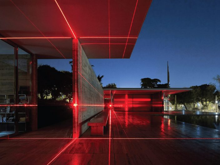 GEOMETRY OF LIGHT EN MIES VAN DER ROHE